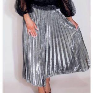 Dresses & Skirts - Glitter Metallic Maxi Skirt